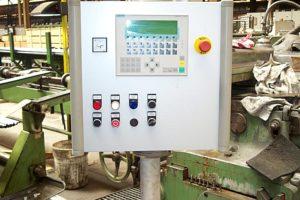 Steuerpult Stangenschleifmaschine